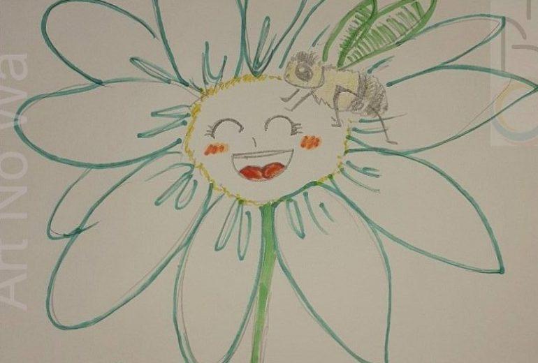 笑う蜜蜂とお花。
