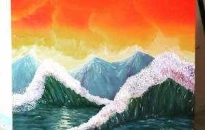 山のような波のある夕日の波涛 - 阿部貴志